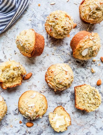 This Almond Poppy Seed Muffins recipe is easy, fast and perfect for breakfast, brunch, snacks of a dessert. These muffins are also great for toddlers and the rest of your family. #vegetarian #muffins #breakfast #snacks #almonds